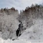 北海道の雪山で遭難した人のSOS