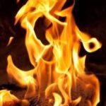 ちょっと不気味 火事の中にいた謎の幼女