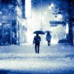 追われる怖い話 白い傘で白い服の女の人